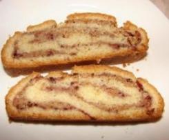 Rollkuchen mit Marmelade