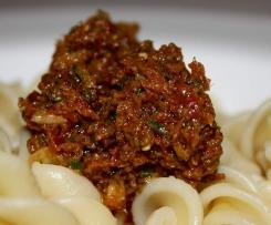 Würziges Tomaten-Oliven-Pesto