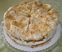 Rhabarber-Schneemousse-Torte