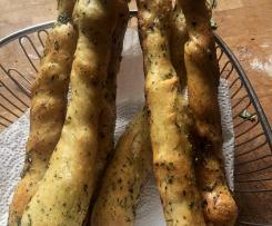 Flûtes (Hefestangen mit Kräuter-Öl) ideal zum Grillen