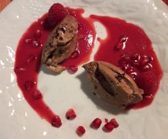 Mousse au Cafè mit Granatapfel