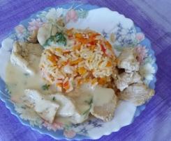 Hähnchen mit Paprika- Möhren- Reis und Sahnesoße