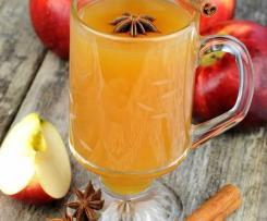Weisser Glühwein (Hot Apple Cider)