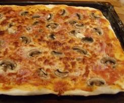 Pizza Teig schnell zubereitet und sehr lecker!