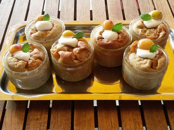 Kuchen Dessert Im Glas Mit Obst Der Saison Von Zawel Ein