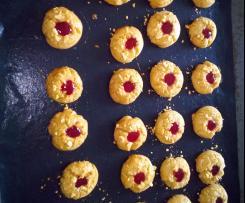 Erdnussbutter-Plätzchen mit Johannisbeergelee