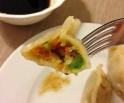 Asiatische Dumplings vegetarisch