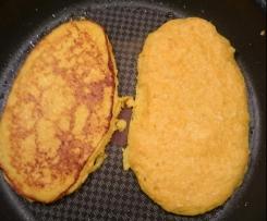 Kartoffelpfannkuchen mit Hokaidokürbis.