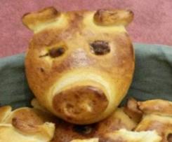 Glücksschweinchen aus Hefeteig