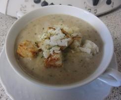 Maronen-Suppe mit Parmesan und Currycroûtons