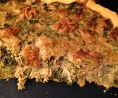 Grünkohl-Quiche mit Wallnüssen und Ziegenkäse