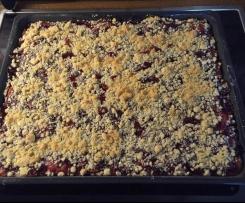 Variation von Kirsch-Streuselkuchen, wie vom Bäcker
