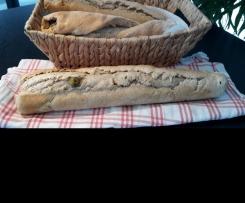 Kräuterbaguette mit Oliven (Faltenbrot)