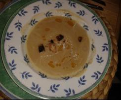 Maronensuppe mit Chili Zimt Croutons