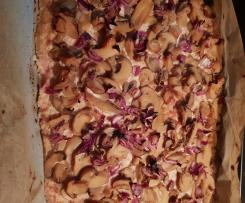 Flammkuchen mit Champignons und Schinken-Creme
