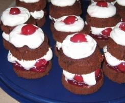 Schwarzwälder Kirsch Törtchen / Schwarzwälder Kirsch Muffins