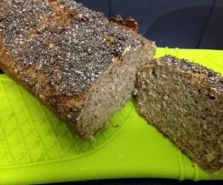 Variation von Eiweißbrot... tägliches Brot, hält lange frisch!