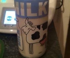Cashewmilch vegan mit Datteln gesüßt /Milchersatz