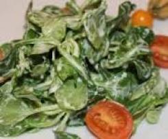 Feldsalat mit Ziegenkäsedressing und karamellisierten Cherrytomaten