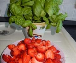 Erdbeermarmelade mit Basilikum