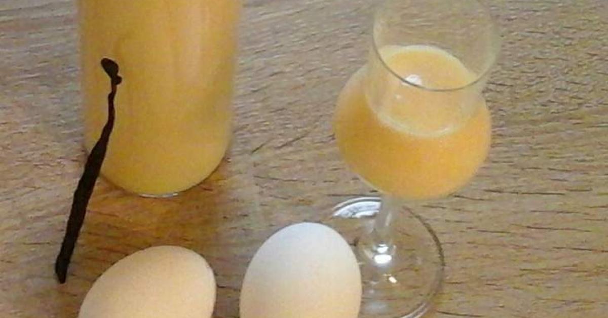 vanille eierlik r mit ganzen eiern von patzi tm5 ein thermomix rezept aus der kategorie. Black Bedroom Furniture Sets. Home Design Ideas