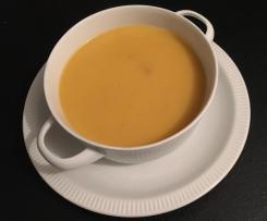 Kürbiscremesuppe Butternuss mit Erdnussbutter  WW geeignet