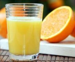 Frischer Orangensaft (Zitrusfrüchte)