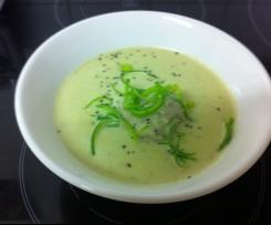 Knoblauchsuppe mit Hackbällchen