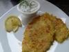 Lachs-Kartoffel-Puffer mit Kräuterquark
