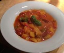 All-in-one: Tomaten-Safran-Eintopf mit bunter Paprika und Chorizo