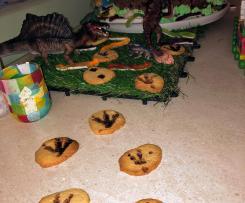 Kekse mit Dino-Abdruck
