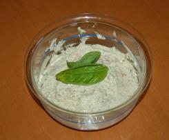 Basilikum-Tomate-Knoblauch-Dip