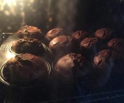 Schoko-Nougat-Muffins mit Füllung