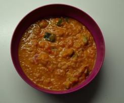 Veganer Eintopf mit Quinoa und Kokosmilch, leicht scharf