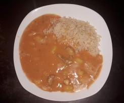 Afrikanischer Erdnußtopf mit Reis