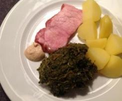 Frischer Grünkohl mit Kartoffeln und Kassler oder Mettwurst / All-in-one