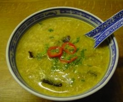 Scharf-saure Suppe wie beim Chinesen