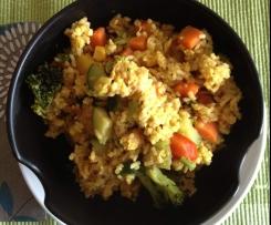 Gebratener Reis mit Sesam und Ei