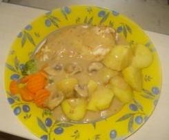 Marenierte Hänchenbrust m. Zwiebelsauce, Gemüse und Kartoffeln