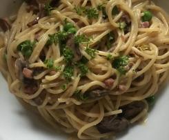 One Pot Pasta mit Pilze, Erbsen und Speck