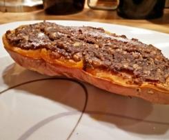 Süßkartoffelschiffchen mit Champignons-Maronen-Ziegenkäse überbacken