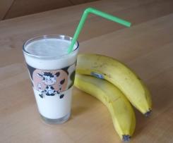 Erfrischender Joghurt-Bananen-Drink