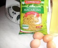 Makkaroni mit Zabaione mit saurer Eiersoße..