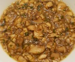 Klare Pilzsuppe