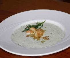 Kalte Avocado-Gurken-Suppe mit Joghurt
