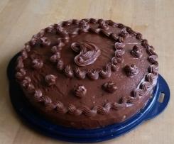 Marzipan-Schoko-Kuchen mit Ganache Haube