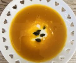 Kürbis-Süsskartoffel-Suppe