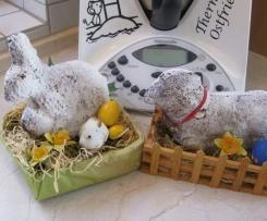 Osterlamm und Osterhase mit Eierlikör