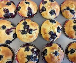 Bananen-Blaubeer-Muffins mit Joghurt