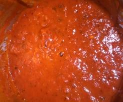 Tomatensoße für Nudeln und auch Pizza